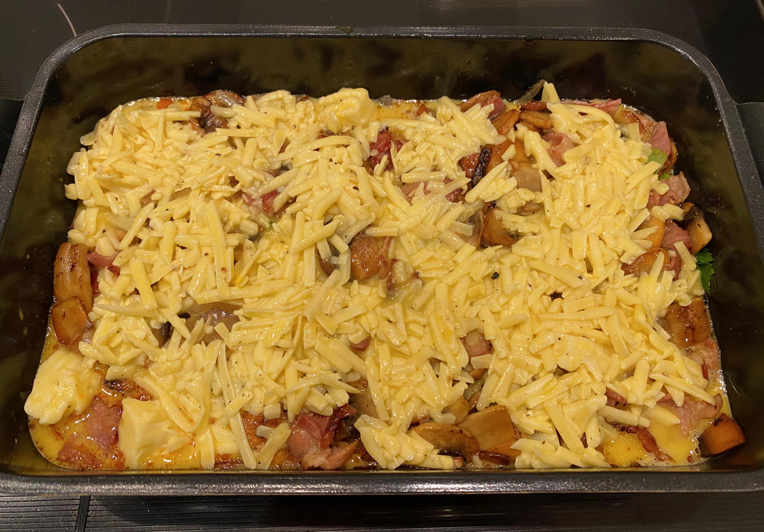 Keto pølseform med bacon og ost